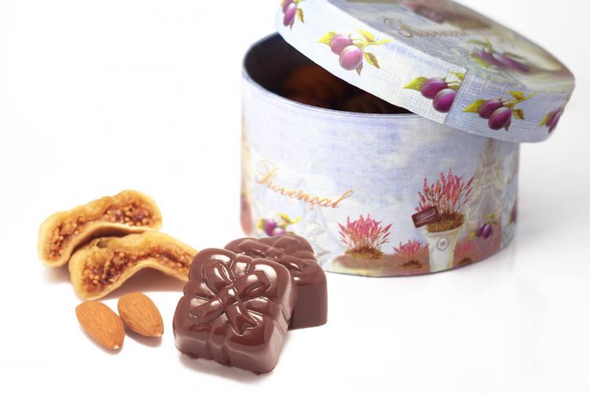 """Конфеты """"Инжир с миндалем""""в темном шоколаде 0,200 кг"""
