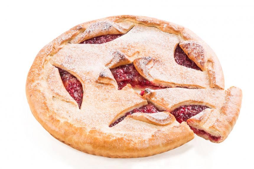 Пирог с яблоком и брусникой 1кг